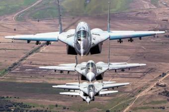 Самолеты ВКС России пересекл…