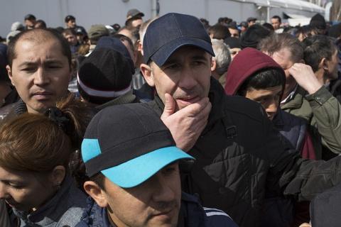 Вы поддерживаете ограничение въезда мигрантов в Россию?