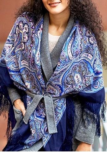 Отлично разнообразит осенний образ —7 способов завязать шарф так, чтобы все ахнули