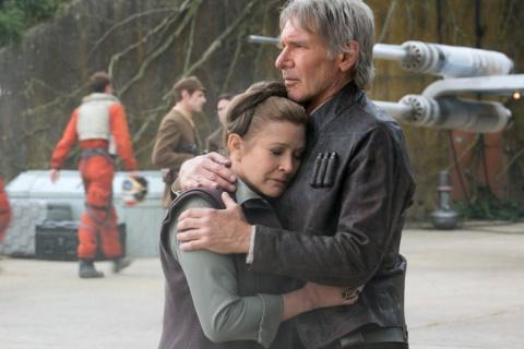 Принцесса Лея из «Звёздных войн» актриса Кэрри Фишер умерла в возрасте 60 лет