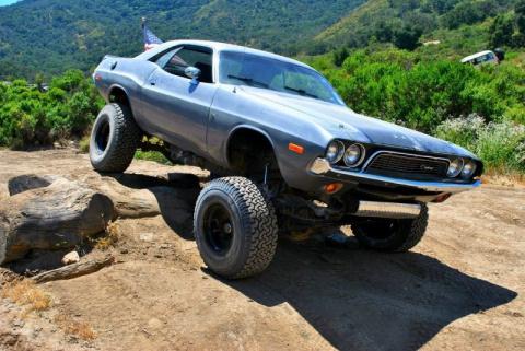 Мускул кар Dodge превратили во внедорожного монстра