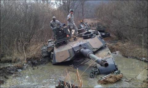 У Европы теперь три проблемы: дураки, дороги и танковая дивизия