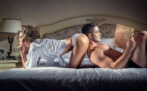Почему-то мне кажется, что и сегодня ночью у меня не будет секса......