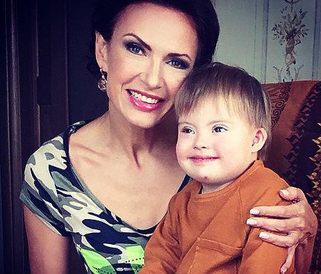Эвелина Бледанс разоткровенничалась о серьезных проблемах со здоровьем у сына
