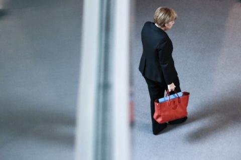 Синдром акульей задницы для Меркель