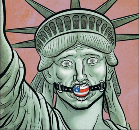 Еще один шаг к диктатуре: чем обернулась хакерская истерия в США