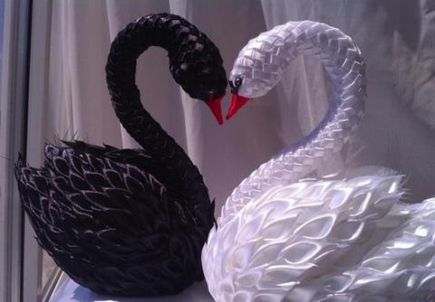 Шикарные лебеди из атласных лент. Кружевные маски для карнавала - просто, быстро, эффектно!