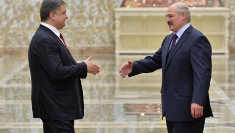 Порошенко и Лукашенко обсудили ситуацию в Донбассе