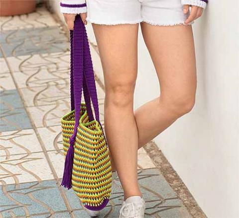 Полосатая сумка с декоративн…