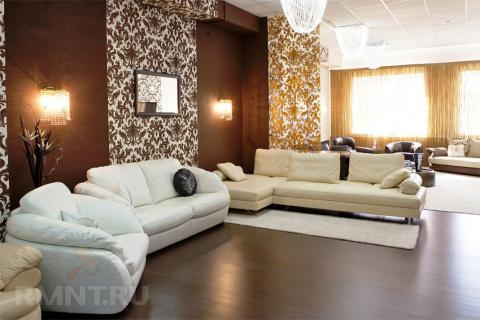 Как компенсировать недостатки комнаты при помощи обоев