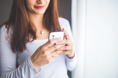 Написала я как-то СМС подруге и по случайности отправила мужу…