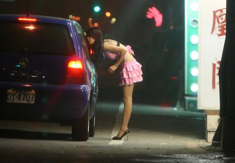 Может ли проститутка быть до…