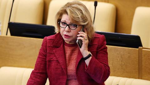 Патриот-депутат Панина: пусть у нас не так лечат, зато душевней говорят!