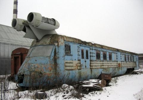 Cтарый заброшенный локомотив.