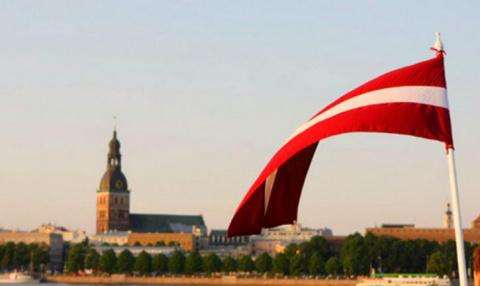 Латвия замерла в тревожном о…