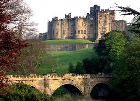 Замок Алнвик ( Alnwick Castle)