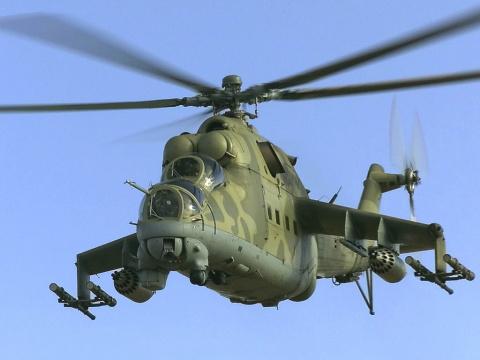"""Пентагон не мог поверить! Ми-24 сбили над пустыней 23 американских вертолета """"Кобра"""""""