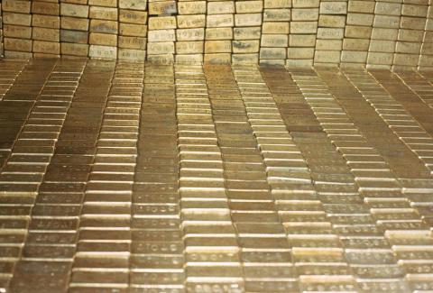 """Министр финансов США : """" Я предполагаю, что золото все еще там (в хранилище)"""""""