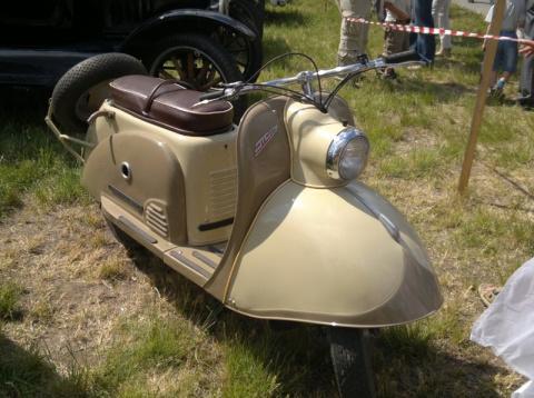 9 советских скутеров