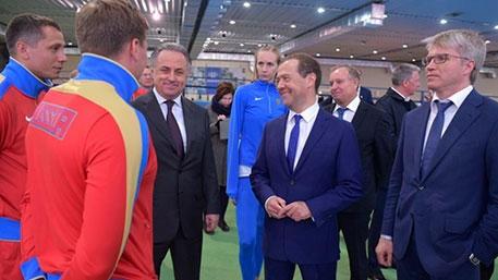 Медведев допускает, а я нет