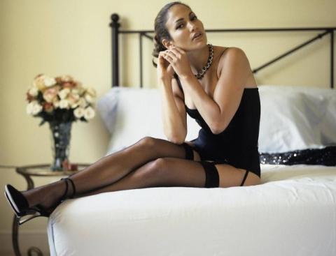 Одна на миллион: Дженнифер Лопес в платье за 99 долларов поразила безупречным образом (ФОТО)