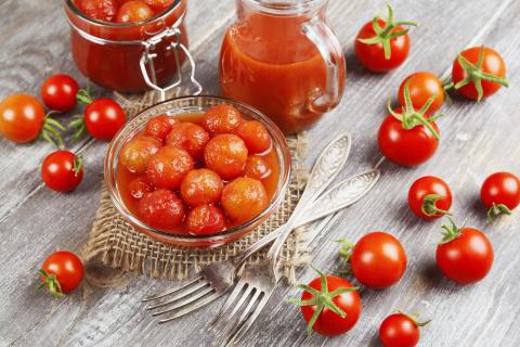 Помидоры квашеные и в собственном соку. 5 рецептов консервированных томатов