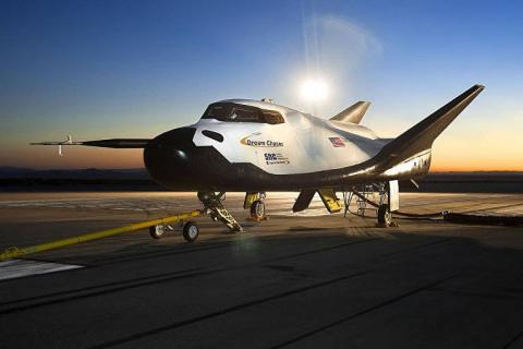 В США успешно испытали шаттл Dream Chaser