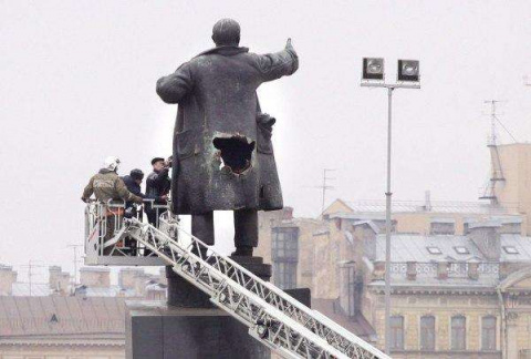 30 памятника Ленину по всему миру