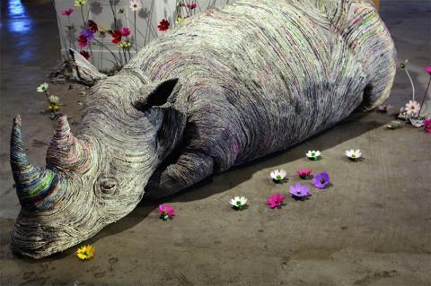 Скульптуры животных из газет