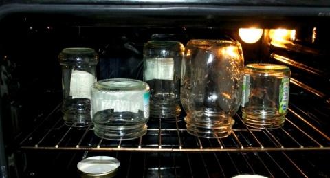 Стерилизация банок в духовке…