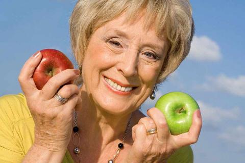 Помидор, яблоко и обычный ши…