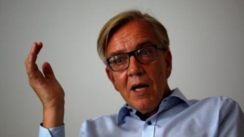 Не пугать Россию «дурацкими санкциями» призвал германский политик