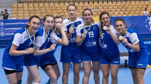 Женская сборная России по гандболу лишена серебра ЧЕ-2017