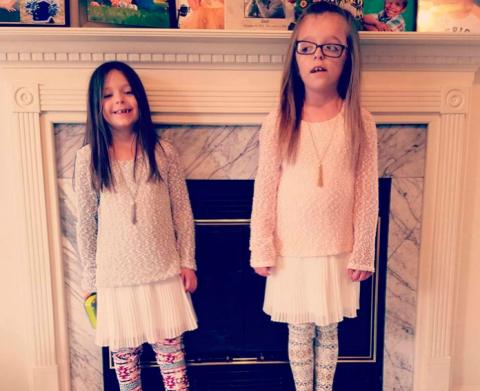 Ее две маленькие дочери нахо…