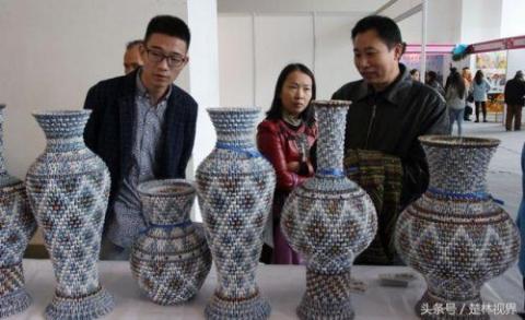 Китайские вазы из игральных …