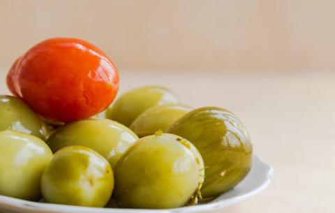 Заготовки на зиму из зеленых томатов - 6 проверенных рецептов