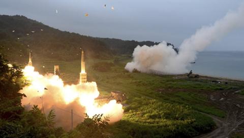 """Коктейль """"огонь и ярость"""": Вашингтон и Сеул примеряют новые боеголовки"""