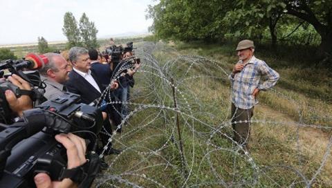 Порошенко приехал на границу…