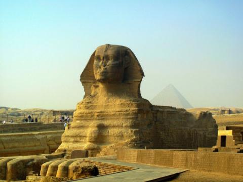 Древние египтяне не строили пирамиды