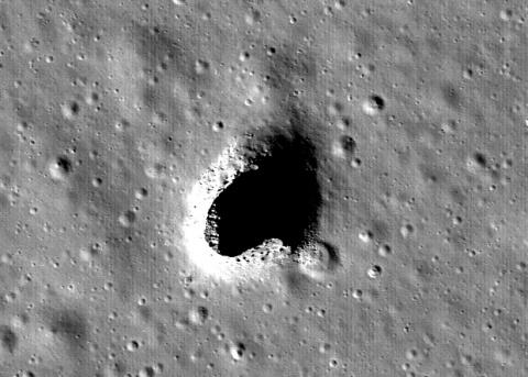 Огромная лавовая трубка на Луне послужит убежищем для космонавтов