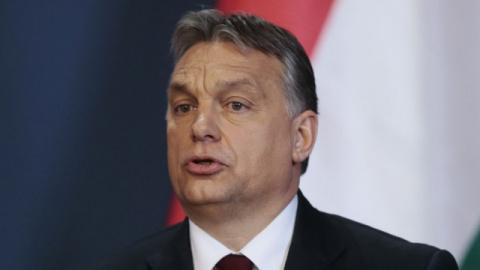 Премьер Венгрии: Сорос хочет, чтобы в Европу ежегодно пребывало 1 миллион мигрантов
