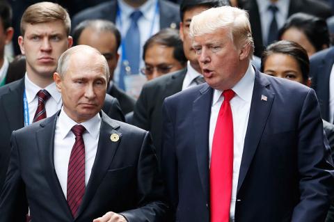 Путин и Трамп поговорили по …