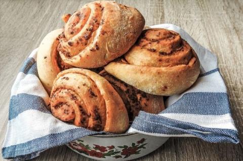 Пять аппетитных рецептов булочек, которые украсят любое чаепитие