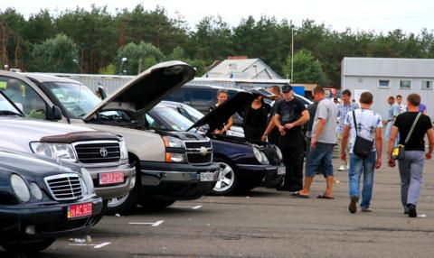 Загубившая свой автопром Украина в шесть раз увеличила ввоз подержанных иномарок