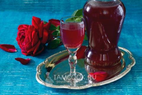 Спиртные напитки. Ликер из лепестков роз