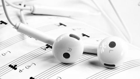 """Почему музыка """"застревает"""" в голове. Ответ известен"""