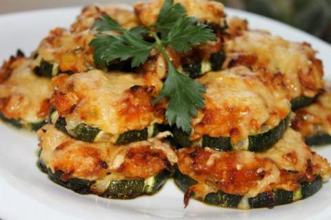 Кабачки с мясом и овощами — объедение!