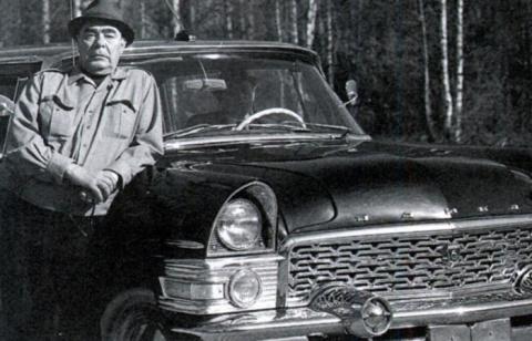 7 автомобилей из коллекции Брежнева, которые советским гражданам и не снились