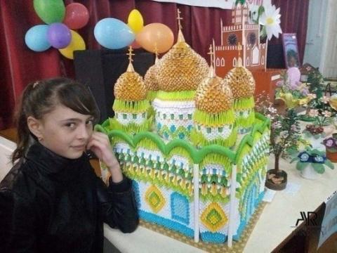 Девочка сделала этот храм за…