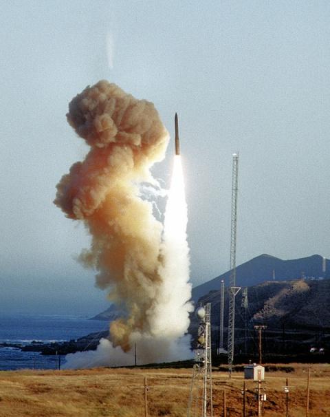 Молниеносный ракетный удар: …